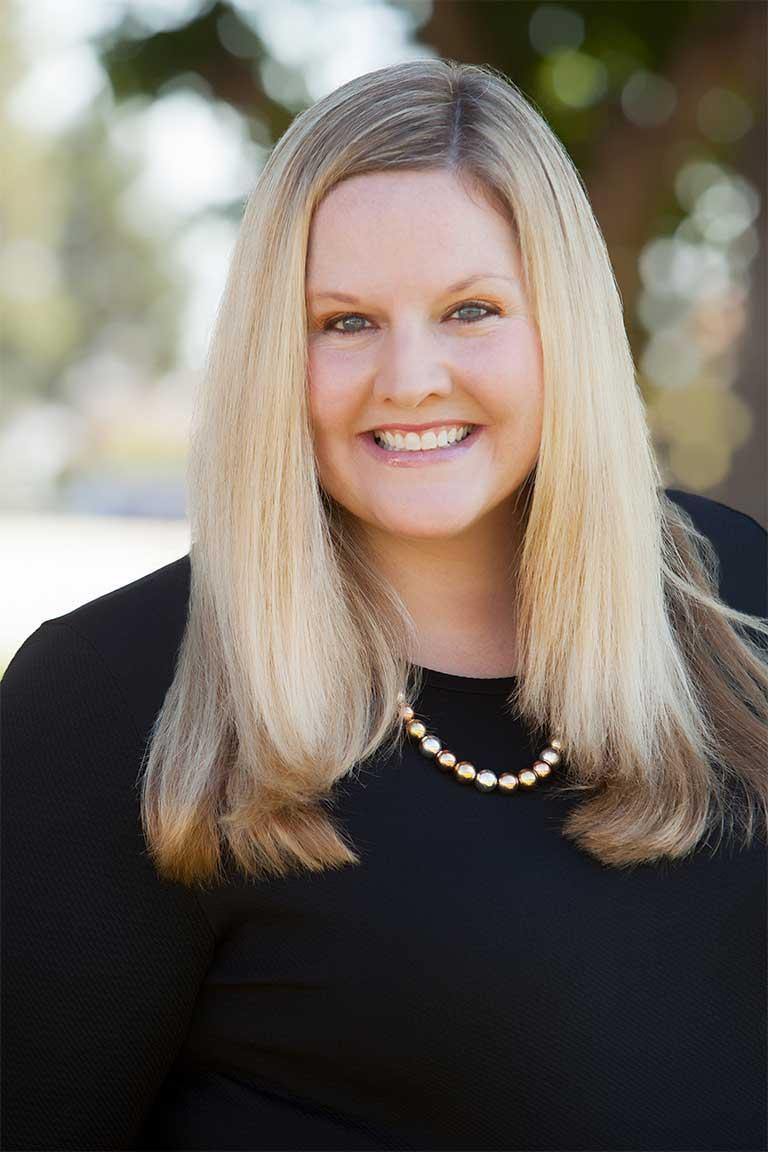 Samantha Curtin - Advisor